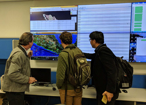 Members of the ASCE IRD team tour the UNAM seisomograph network. PHOTO: Allison Pyrch