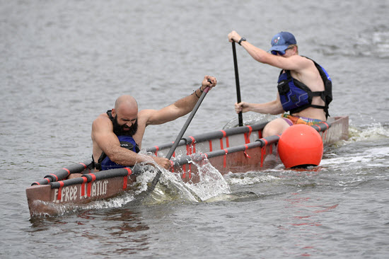 Florida steered its way to its first concrete canoe national championship since 2015.