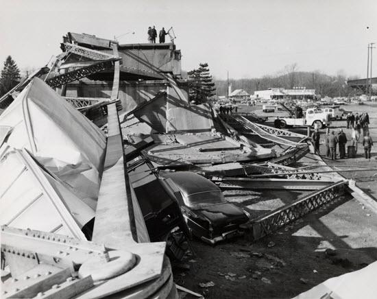 photo of bridge collapse