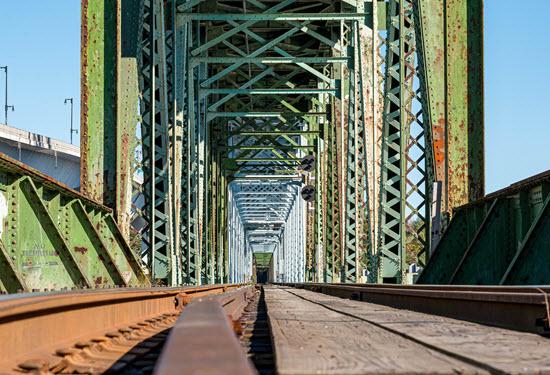 photo of a rail bridge