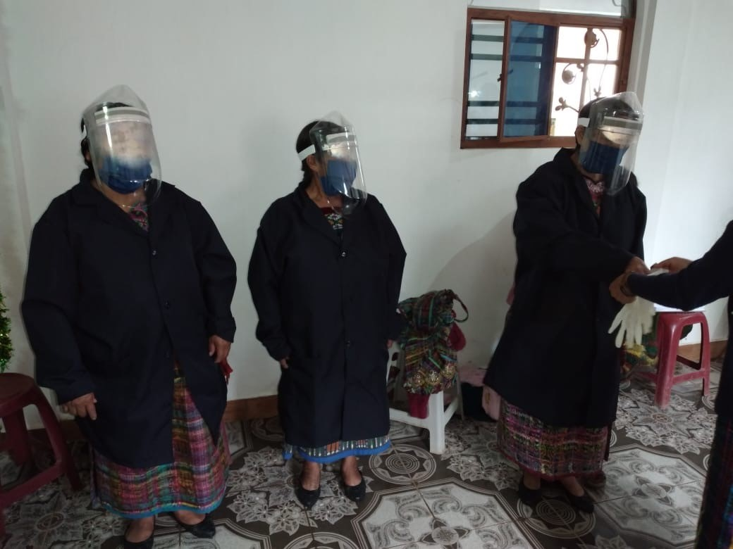 photo of Mayan midwives