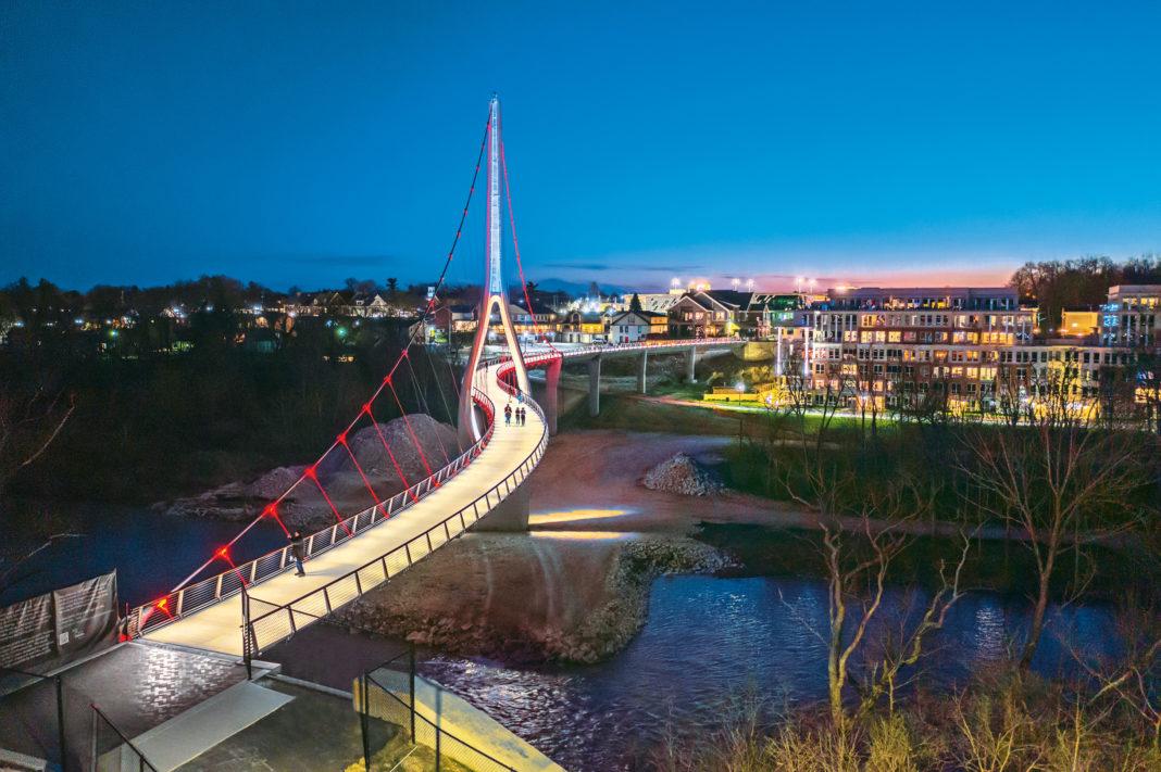 night shot of the new Scioto Bridge in Dublin, Ohio