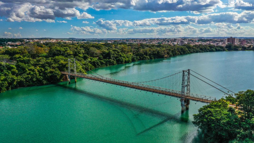 photograph of the Afonso Pena Suspension bridge