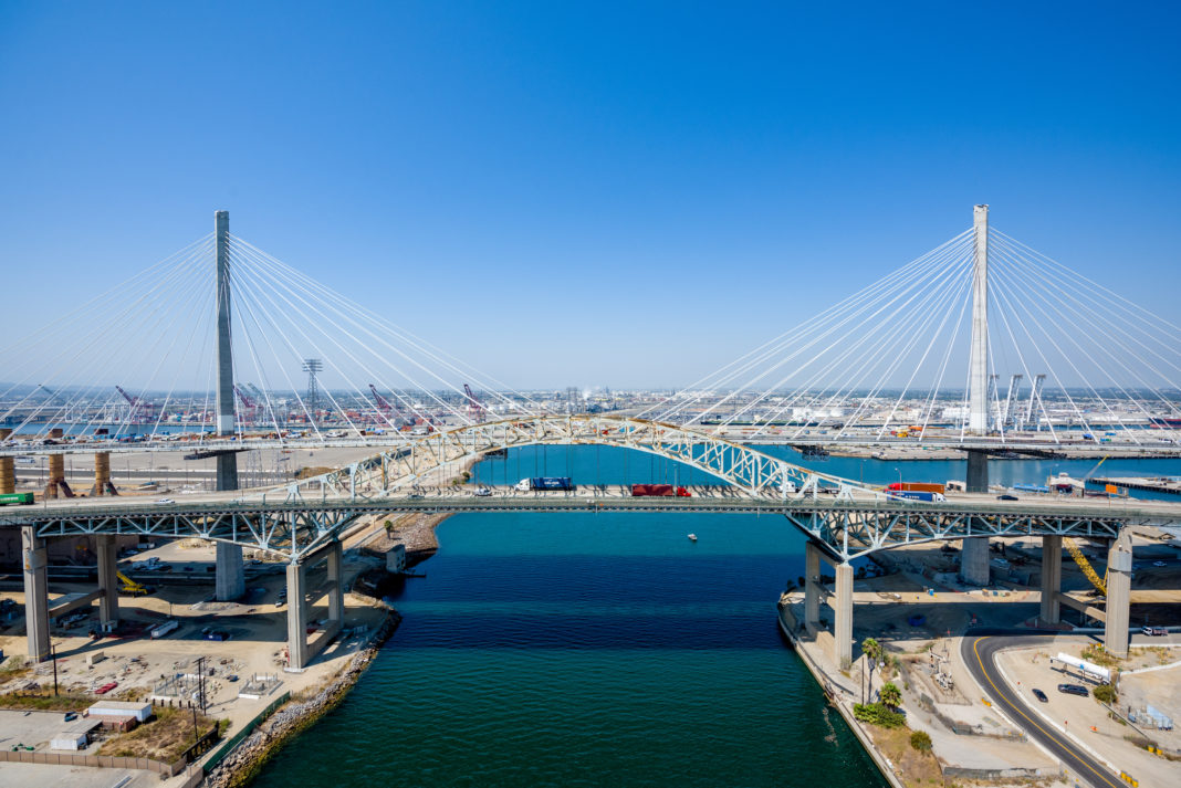 photograph of the new Gerald Desmond Bridge